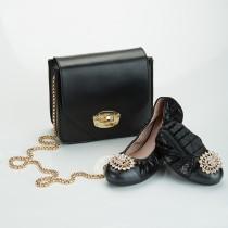 Futware 珠光羊皮水鑽飾扣口袋鞋